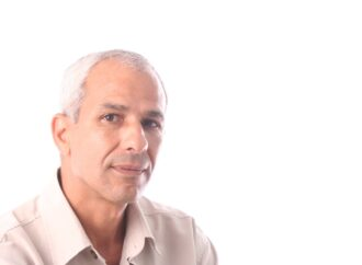 Faire avancer la part de lumière… / Rencontre avec Lazhari Labter